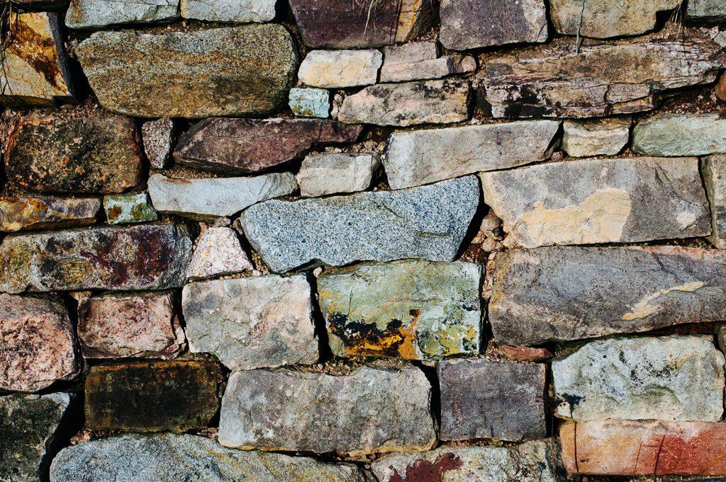 Die Liebe schützen durch Mauern